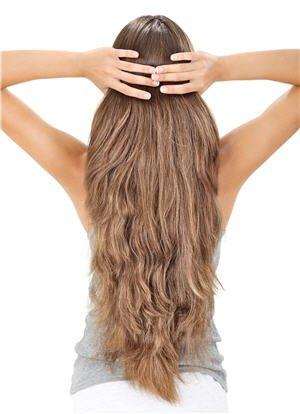 Astuces pour stimuler la pousse de vos cheveux
